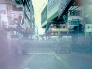 香港帶給你的感受,可以簡單一如端詳一件細小但美好的物事。